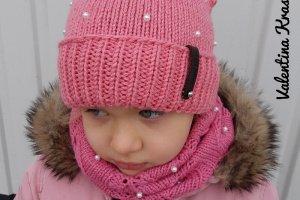 Комплект шапка-кошечка и снуд - ІНШІ РОБОТИ