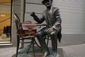 Мужской кожаный портфель + блокнот в подарок - Опис