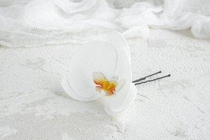 Шпильки в прическу с белой орхидеей фаленопсис - Опис
