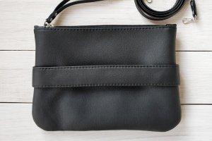 """Черный клатч - сумочка через плечо """"CarryMe"""" - Опис"""