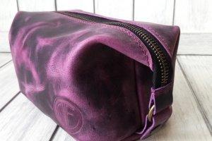 Кожаный Несессер фиолетового цвета. - Опис