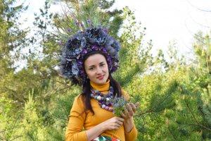 Робота Вінок фіолетовий пишний український великий сцена фотосесія