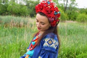 Робота Очіпок український червоний чільце вінок квітковий пишний