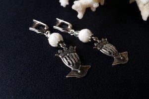 Робота Білі сережки зі сріблом