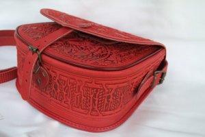 сумка шкіряна Ягдаш червона - Опис