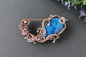 Робота Мідна брошка Квітка з синім лазуритом