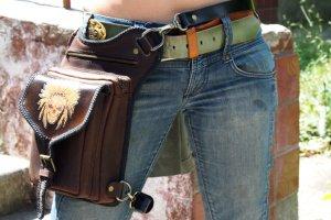 Кожаная сумка на ногу Вождь - Опис