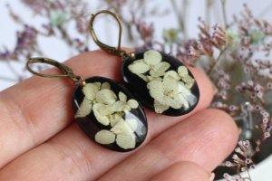 Чорно-білі овальні сережки з гортензією серьги с гортензией - Опис