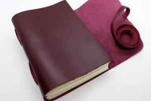 Женский кожаный блокнот цвета бордо - Опис