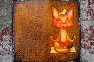Кожаный тревел кошелек Йога кот - Опис