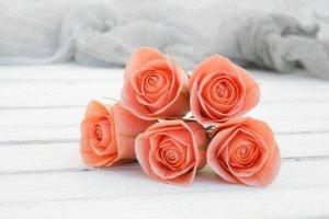 Робота Шпильки для волос с маленькими розами в прическу