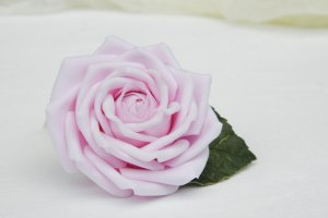 Заколка для волос с розовой розой в прическу - ІНШІ РОБОТИ