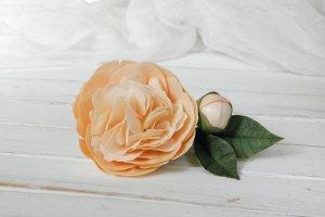 Робота Персиковая заколка для волос с цветком пионом