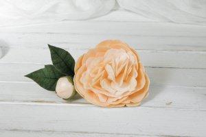 Персиковая заколка для волос с цветком пионом - Опис