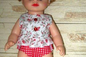 Одежда для кукол в рюкзаке( топ, трусики, повязка).  - Опис