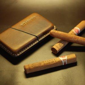 Робота Футляр для 3 сигар.