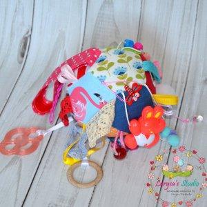 Робота Развивающая игрушка-мячик для малыша