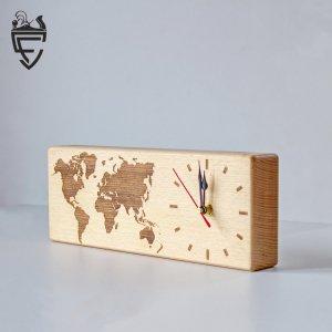 Робота Часы из массива дерева